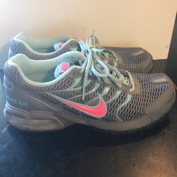 7347c4b2ed78 Nike Shoes Nike Free Run Color BluePink Size 8 in 2019